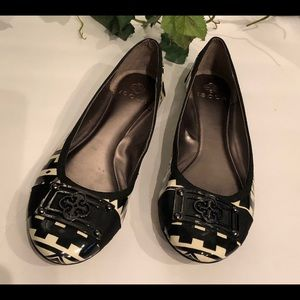 Isola black & white patent leather flats in Sz 7M